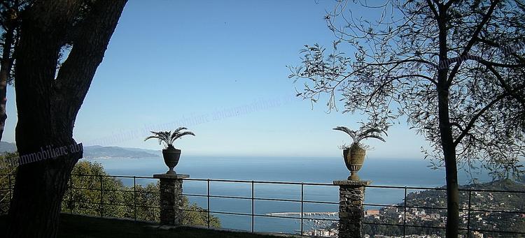 S. Margherita Ligure Affittasi villa vista mare del '500con piscina