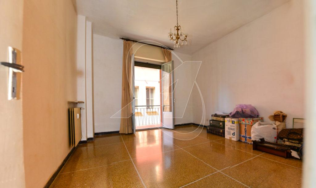 Appartamento trilocale in vendita a Rapallo a due passi dal mare con parcheggio coperto