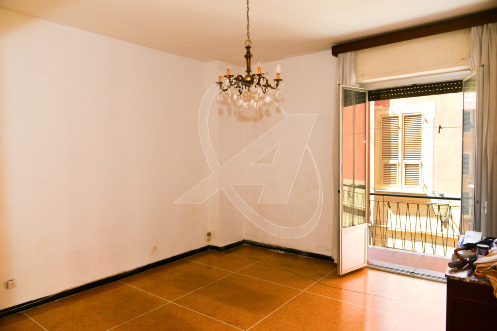 Rapallo 110 sqm apartment for sale a stone's throw from the sea