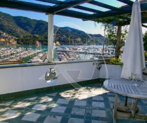 Attico vista mare in affitto a Rapallo, zona porto Carlo Riva