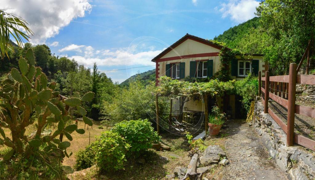 Bucolica villa in vendita tra verde e tranquillità nella collina di S.Andrea di Foggia