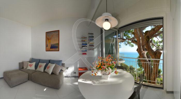 CHIAVARI affitto appartamento bilocale fronte mare con piscina e spiaggia privata