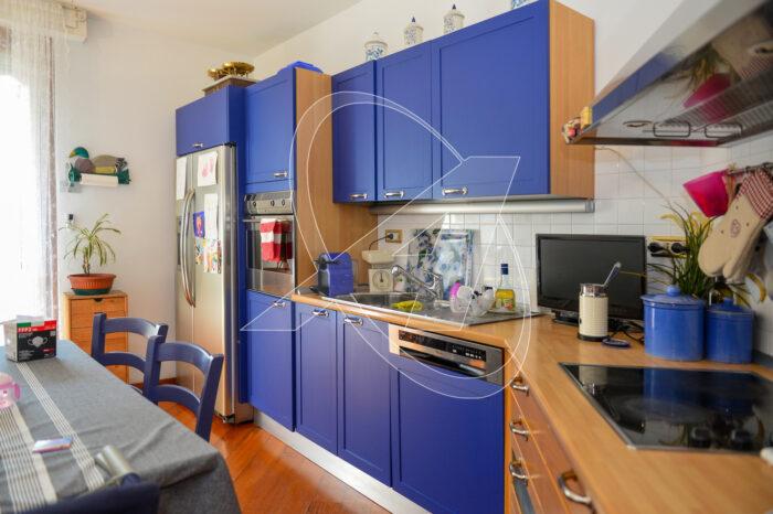 Elegante appartamento con garage in vendita sul lungomare di Chiavari