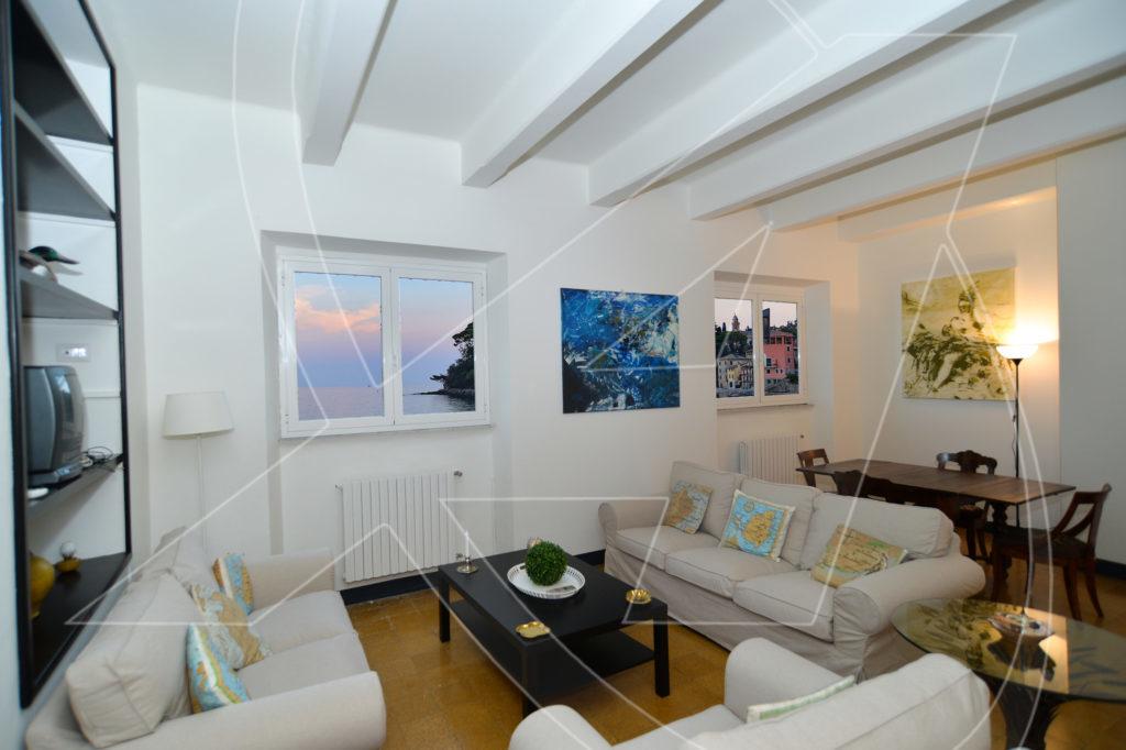 RAPALLO Appartamento fronte mare in affitto a San Michele di Pagana