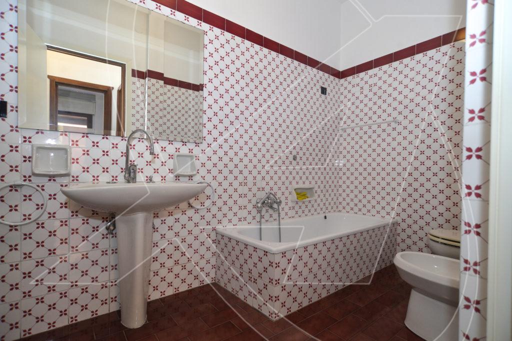 Rapallo appartamento in vendita affacciato su piazza cavour