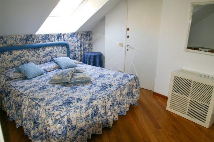 Rapallo zona porto affitto attico vista mare con terrazza