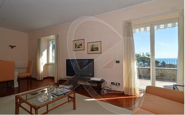 S. Margherita Ligure appartamento in vendita in signorile villa vista mare