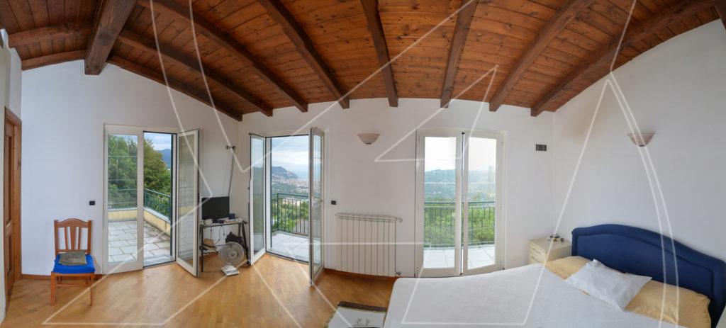 Vendesi VILLA vista mare sulle colline di Rapallo 01
