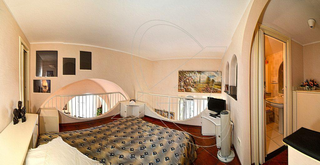 Vendesi appartamento sul mare - La seconda camera da letto con bagno privato