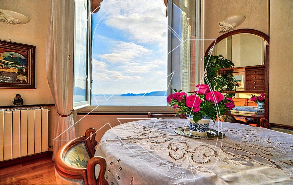 Vendesi nel Castello Sem Benelli- Zoagli appartamento a picco sul mare