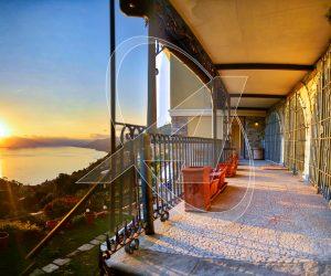 Villa indipendente con giardino fronte mare in vendita a Camogli