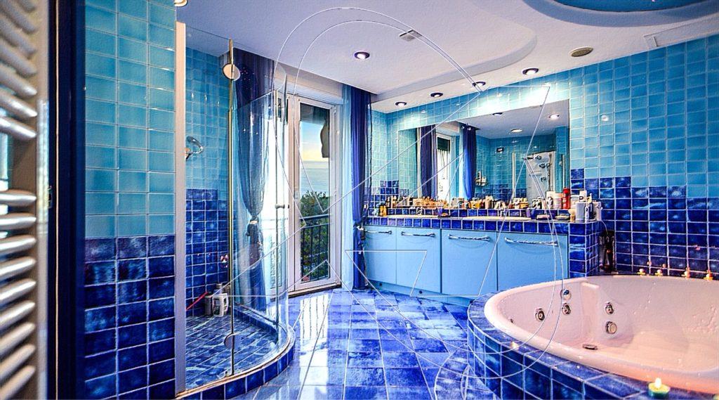 ZOAGLI - S. AMBROGIO uno dei bagni della villa in vendita con vista mare
