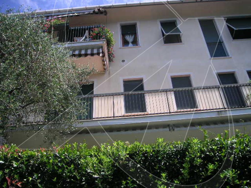 ZOAGLI Appartamento vista mare in affitto con posto auto