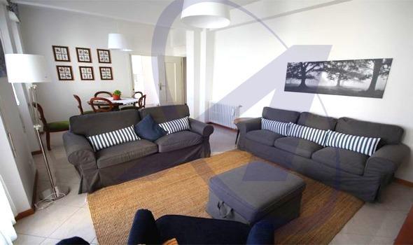 RAPALLO Zona centro pedonale, affittasi piano alto con ascensore